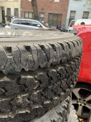 Full set plus spare 5 tires 265/75 R16 for Sale in Queens, NY