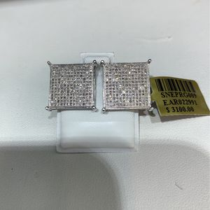 Big 10k Diamond Earring MANY OPTIONS AVAILABLE IN STORE for Sale in Los Angeles, CA