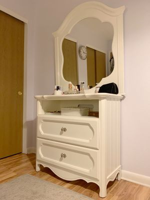 Girl's Dresser/Drawers, and Mirror for Sale in Denver, CO
