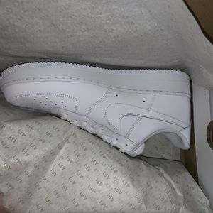AIRFORCE 1 White Lows Size 11 New for Sale in Chicago, IL