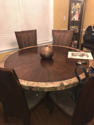 Dining Room Table & Chairs for Sale in Washington, DC