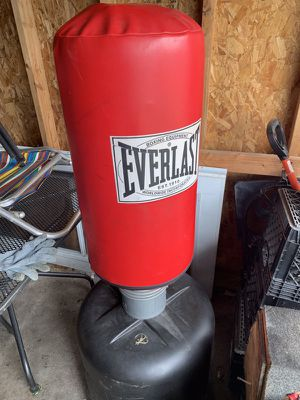 Punching bag for Sale in St. Clair Shores, MI