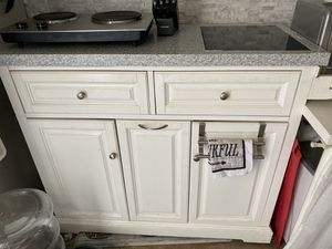 Kitchen island with hot plate ! for Sale in Corona, CA