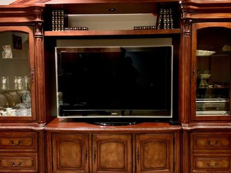 Solid Wood Entertainment Center/bookshelves for Sale in Vancouver,  WA