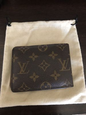Louis Vuitton men's wallet for Sale in La Puente, CA