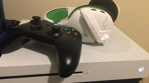 XBOX ONE S 1TB for Sale in Nashville, TN