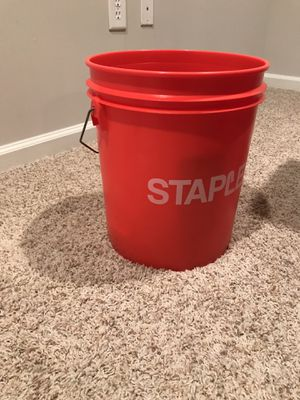 Red bucket in new condition for Sale in Atlanta, GA