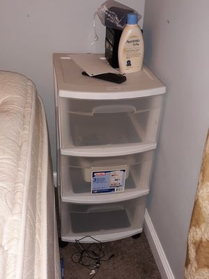 2 identical plastic drawers for Sale in Thornton, CO