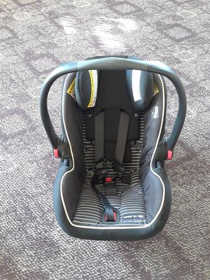 GRACO BABY CAR SEAT for Sale in Detroit, MI