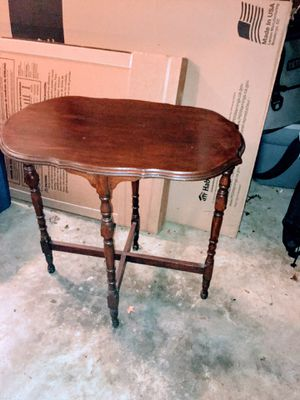 Nightstands and end tables message for prices great condition vintage style for Sale in Belton, SC