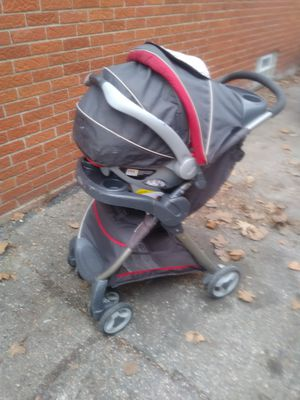 Graco stroller base and car seat for Sale in Oak Park, MI