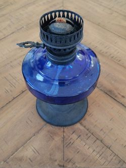 Vintage Hong Kong Oil Lamp for Sale in San Jacinto,  CA