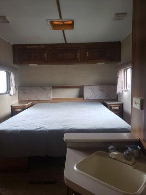 89 fifth wheel camper for Sale in Denver, CO