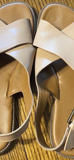 Beige Memory Foam Sandals for Sale in Ellensburg,  WA