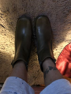 """WOMEN ARMY GREEN LEATHER ANKLE BOOTS 2"""" HEEL for Sale in Newark, NJ"""