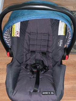 Graco Car Seat - Snugride 30 Click Connect for Sale in Queens,  NY
