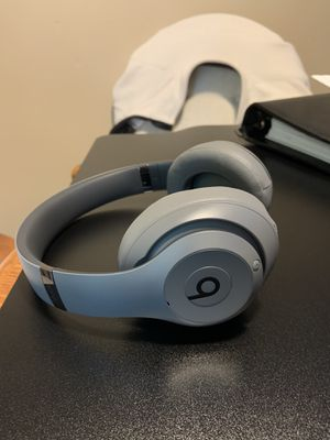 Dre Beats Studio3 Wireless - Like New! for Sale in Cuyahoga Falls, OH