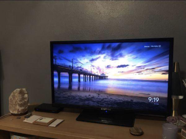 """32"""" Sceptre TV"""