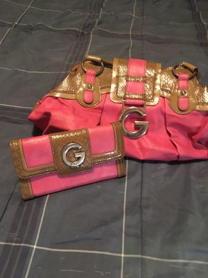 GUESS PURSE AND MATCHING WALLET for Sale in Visalia, CA