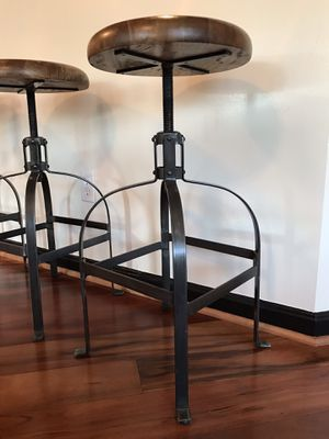 Solid Wood Swivel Stools, like new, set of 3 for Sale in Alexandria, VA