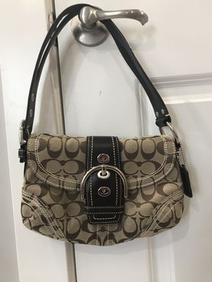 Coach purse bag 💯 authentic for Sale in Herndon, VA