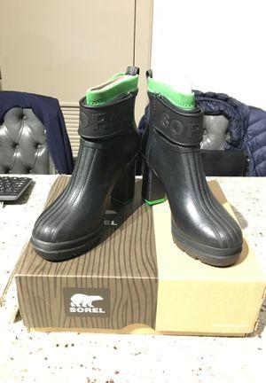 Sorel Rubber Fashion Boots Size 8 for Sale in Alexandria, VA