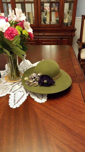 Hand made felt hat in newport, Rhode island for Sale in Windsor, CT
