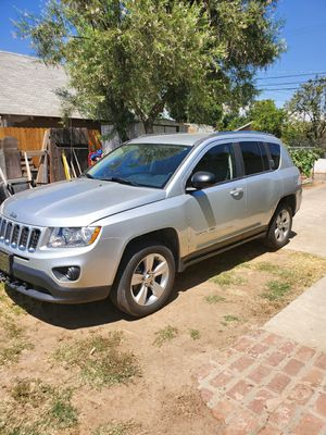 2012 jeep compass sport for Sale in Fresno, CA