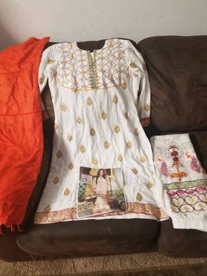Linem embroidery 3pc dress medium for Sale in Baltimore, MD