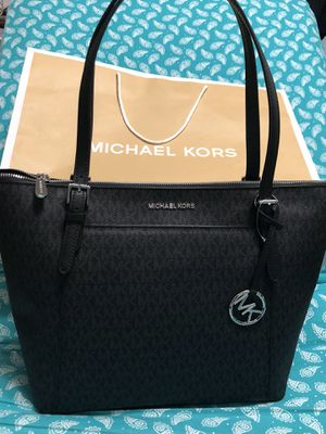 100% Brand new Original Michael Kors handbag with tags for Sale in North Bethesda, MD