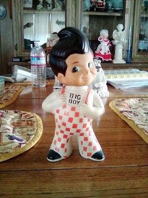 Bob's big boy very collectiblep make offer must be picked up for Sale in Hemet, CA