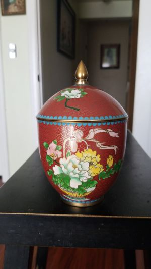 Chinese antique hand made cloisonne vase. New from China in its original box. for Sale in Bellflower, CA