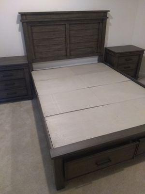 Queen bedroom set for Sale in Temple Hills, MD