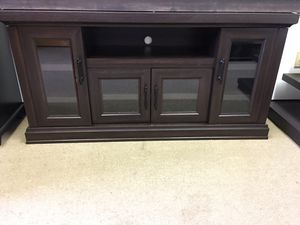 """Wood Brown Tv Stand [59.5""""x15.5""""x30""""] for Sale in Duluth, GA"""