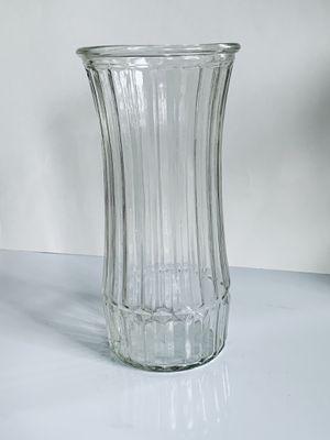 "Crystal flower vase table top 10"" for Sale in Centreville, VA"