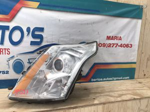 2010-2016 Cadillac SRX Headlight LH halogen for Sale in Eastvale, CA