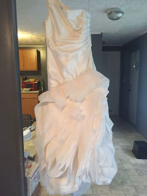 Vera Wang Wedding dress for Sale in Waterford, PA