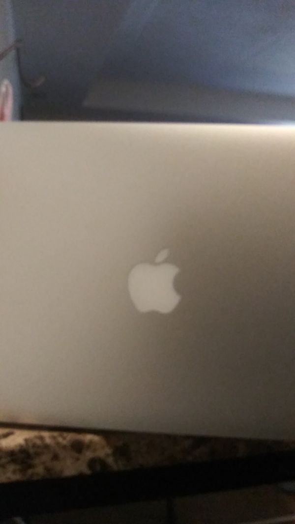 2008 MacBook air lap top used need to be charged. As is