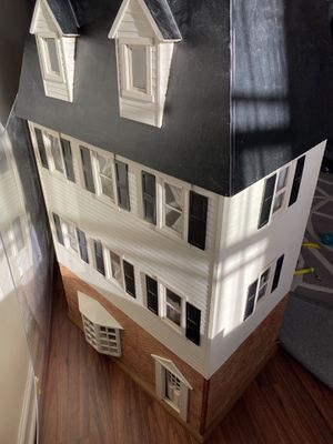 Antique doll house for Sale in Wheeling, IL