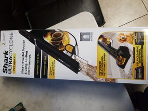 Brand New Shark ULTRACYCLONE Pet Pro Handheld Vacuum 2.8 Pounds CH950 for Sale in Acampo, CA