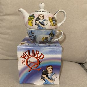 NIB Wizard Of Oz Tea Pot And Cup for Sale in Lynnwood, WA