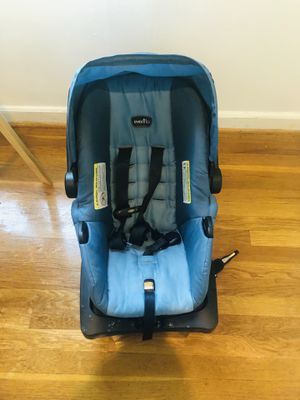 Car seat with stroller for Sale in Kensington, MD