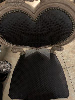 Beautiful chair Antique for Sale in Miramar, FL