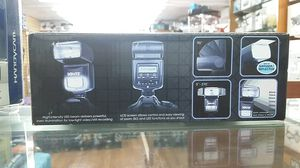 FLASH AND LED LIGHT FOR CAMERAS 2 IN 1 POWER ZOOM FOR NIKON DSLR FOR SALE!!!! for Sale in Miami Beach, FL