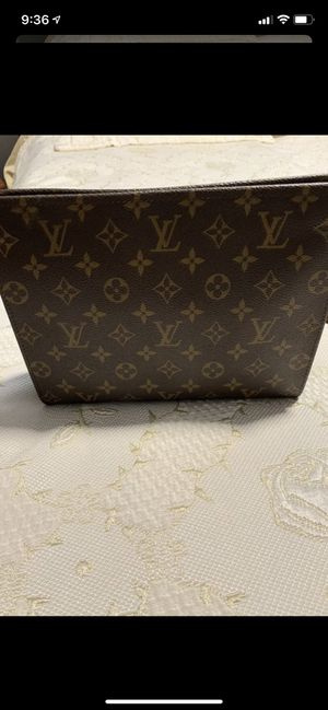 Louis Vuitton handbag 👝 for Sale in North Haven, CT