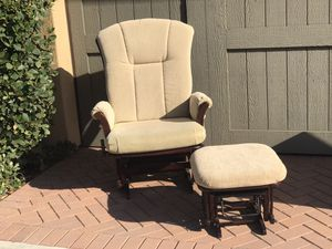 Glider/ Nursery Rocking Chair for Sale in Irvine, CA