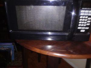 Hamilton beach microwave for Sale in Columbus, OH