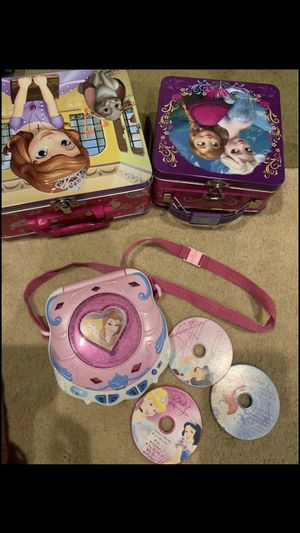 Princess CD player and two cases for Sale in Sammamish, WA
