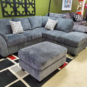 Sectional and ottoman for Sale in Mill Creek, WA