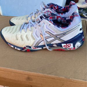 FREE Men's Asics shoes Size 11 1/2 for Sale in Burbank, CA